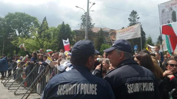 Парадът, папата  и аз – полицаят!